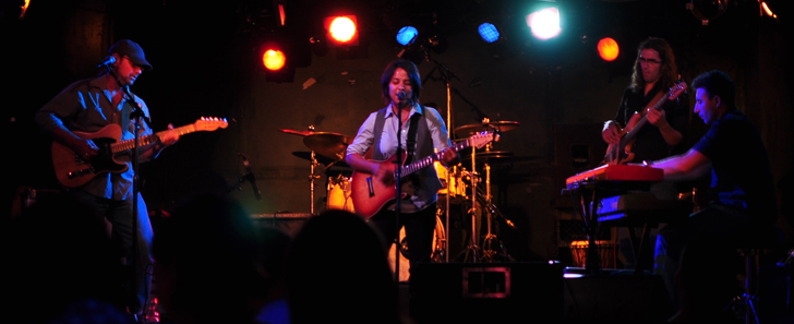 Vicci Martinez at Jazzbones